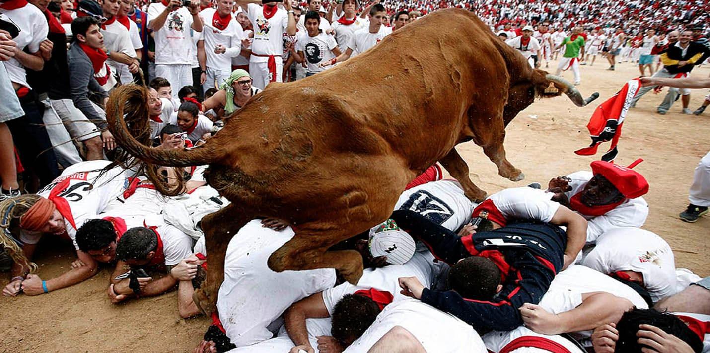 Самые экстремальные виды спорта: забег с быками