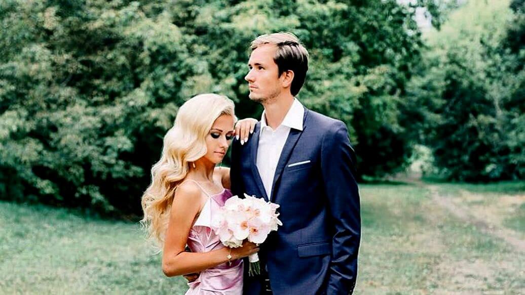 Даниил Медведев с женой