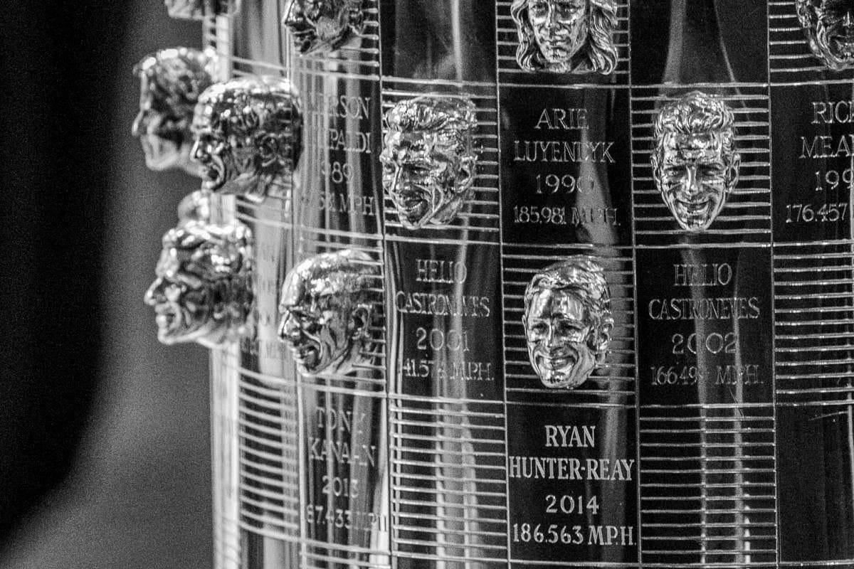 Топ-6 необычных спортивных трофеев