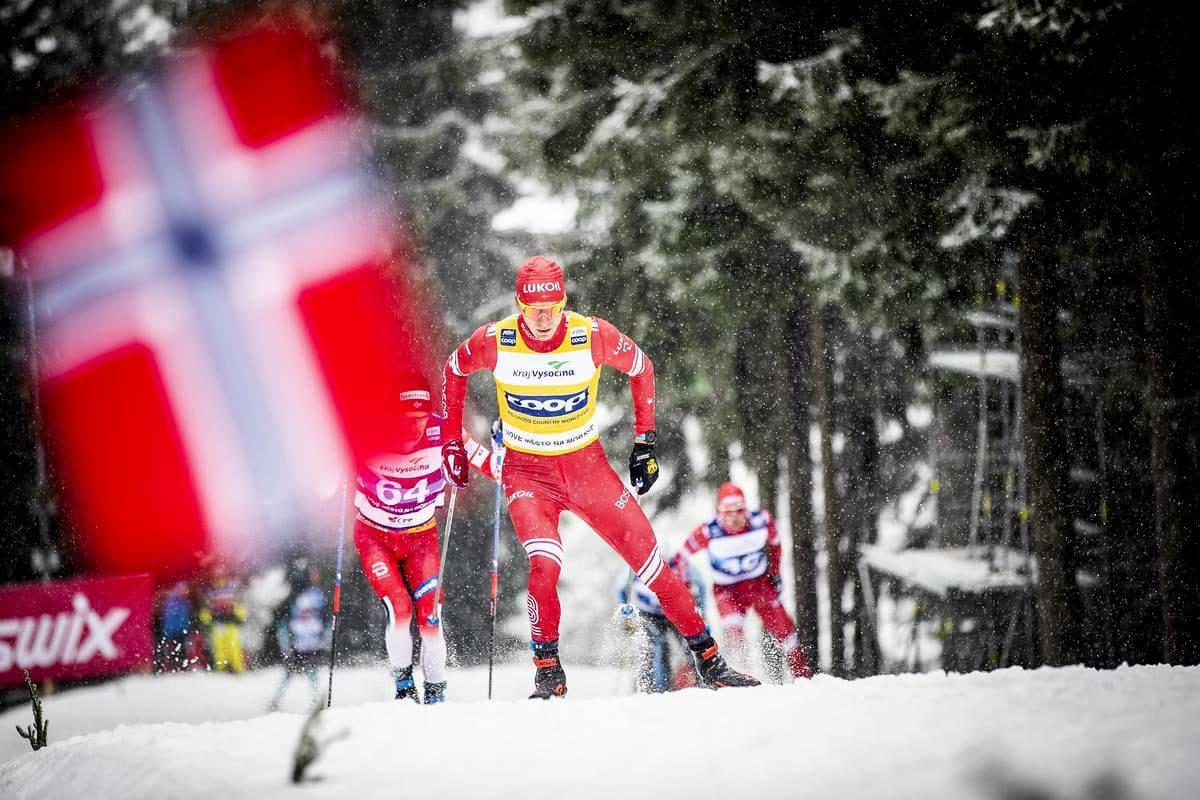 Александр Большунов на этапе Кубка мира по лыжным гонкам в Нове-место