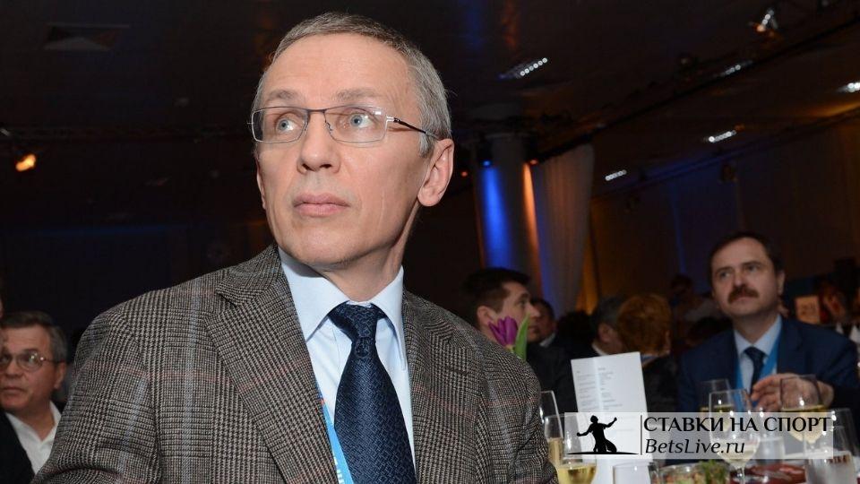 Игорь Ларионов должен остаться