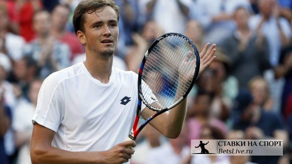 Медведев выиграл свой 10-й титул